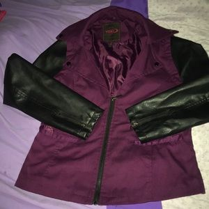 Burgundy/black sleeves linen faux leather combo.